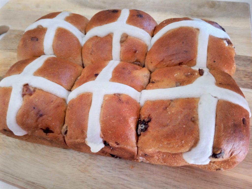 ホットクロスバン(イースターのパン)